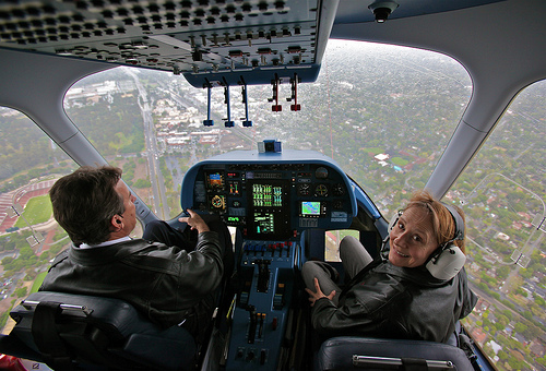 フリー画像| 航空機/飛行機| コックピット/操縦席| パイロット|        フリー素材|