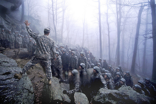 フリー画像| 戦争写真| 兵士/ソルジャー| 人物写真| 霧/靄|       フリー素材|