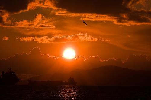 フリー画像| 自然風景| 空の風景| 夕日/夕焼け/夕暮れ| 橙色/オレンジ|       フリー素材|