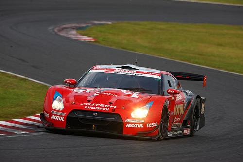 フリー画像| 自動車| レーシングカー| 日産/ニッサン| 日産 スカイライン| Nissan GT-R R35| MOTUL AUTECH GT-R| 日本車|    フリー素材|