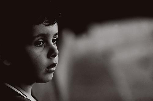 フリー画像| 人物写真| 子供ポートレイト| 外国の子供| 少年/男の子| モノクロ写真|      フリー素材|