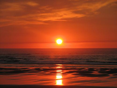 フリー画像| 自然風景| 夕日/夕焼け/夕暮れ| ビーチ/海辺| 水平線/地平線| 空の風景| アメリカ風景| オレゴン州|    フリー素材|