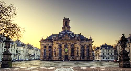 フリー画像| 人工風景| 建造物/建築物| ルートヴィヒ教会| ルートヴィヒ広場| 教会/聖堂| ドイツ風景| HDR画像|    フリー素材|