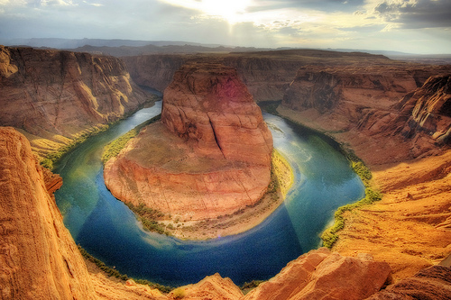 フリー画像| 自然風景| ホースシューベンド/Horseshoe Bend| 河川の風景| 岩山の風景| アメリカ風景| アリゾナ州| コロラド川|    フリー素材|