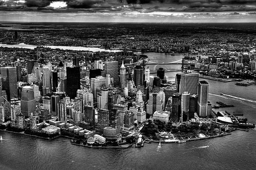 フリー画像  人工風景  建造物/建築物  街の風景  ビルディング  アメリカ風景  ニューヨーク  モノクロ写真     フリー素材 