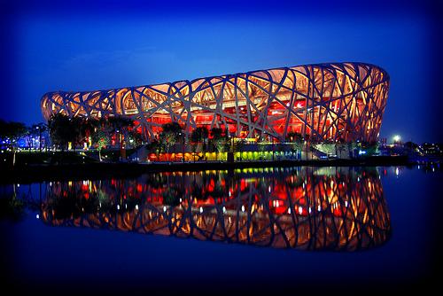 フリー画像| 人工風景| 建造物/建築物| 夜景| 北京国家体育場| 北京オリンピック| オリンピックスタジアム| 中国風景| 北京|   フリー素材|