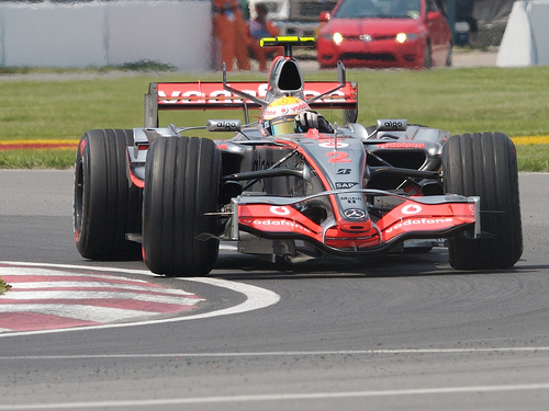 フリー画像| 自動車| レーシングカー| F1/フォーミュラー1| マクラーレン/McLaren| MP4-22| ルイス・ハミルトン/Lewis Hamilton| 2007 カナダGP|    フリー素材|